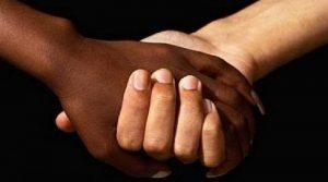 mains_blanche-noire